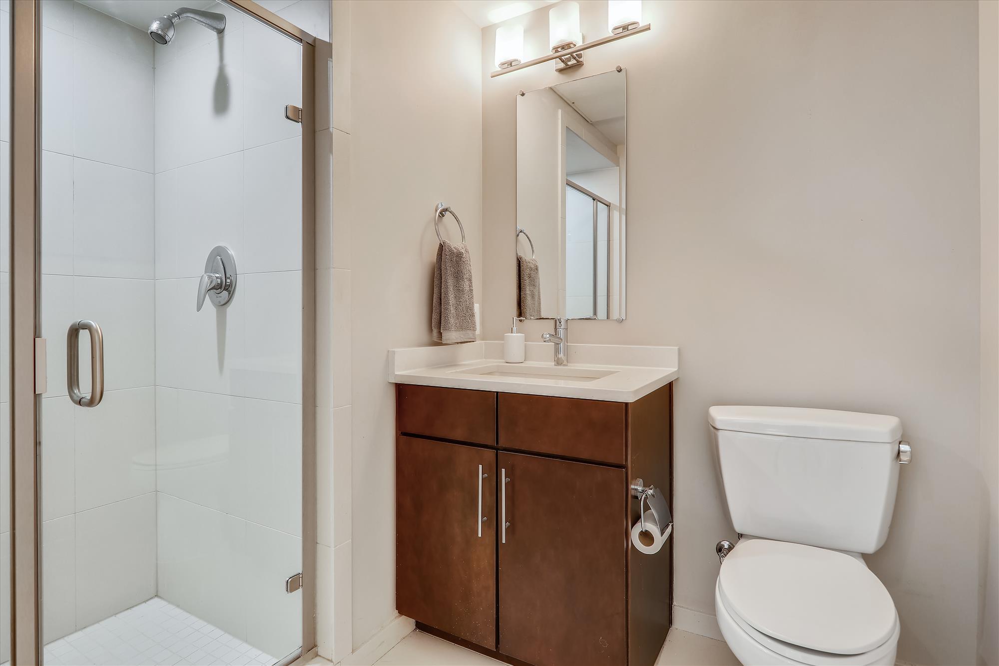 5201 Wisconsin Ave NW,Washington,District Of Columbia 20015,2 Bedrooms Bedrooms,2 BathroomsBathrooms,Condominium,The Harrison,Wisconsin Ave,2,1071